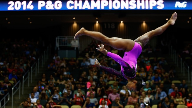 Biles Easily Defends U.S. Women's Gymnastics Title