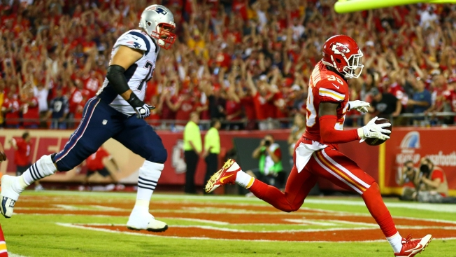 NFL: Husain Abdullah Should Not Have Been Penalized For Post-Touchdown Prayer