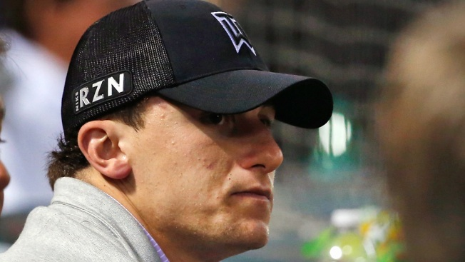 Manziel to Charge $50 Per Selfie During Super Bowl Week