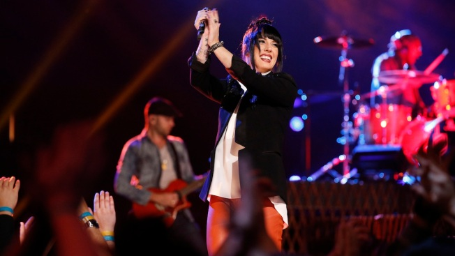"""Top 5 Head to the Semifinals on """"The Voice"""""""