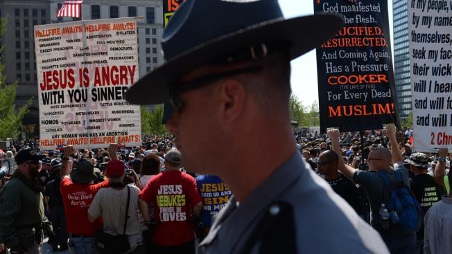Police Break Up Skirmishes Among Demonstrators in Cleveland