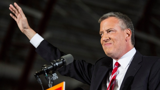 """De Blasio Says He Is """"Troubled"""" by Violence in Missouri"""