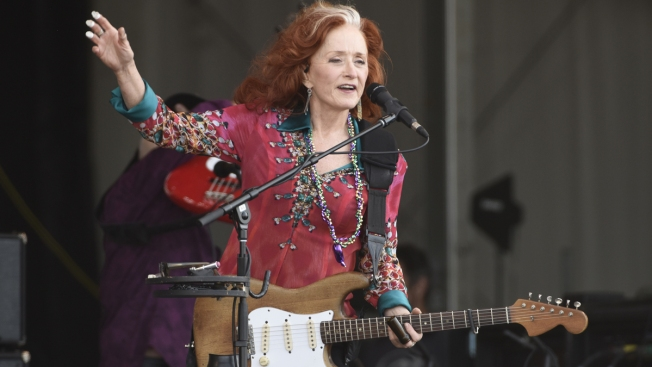Medical Issue Forces Bonnie Raitt to Cancel Tour Dates