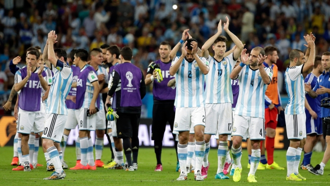 Messi Scores and Lifts Argentina 2-1 Over Bosnia