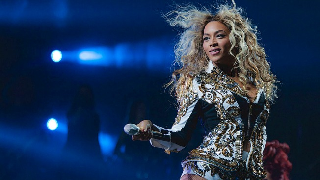 """Fans Sue Beyoncé After Being """"Trampled"""" at Concert"""