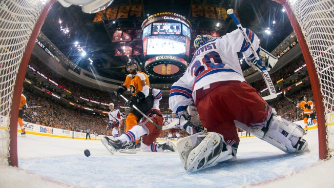 Rangers Loses to Flyers 2-1, Series Even at 2-2