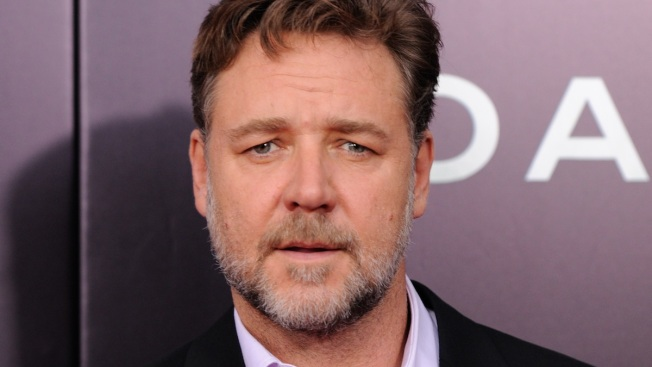 Russell Crowe Bashes Virgin Airlines Over Hoverboard Ban