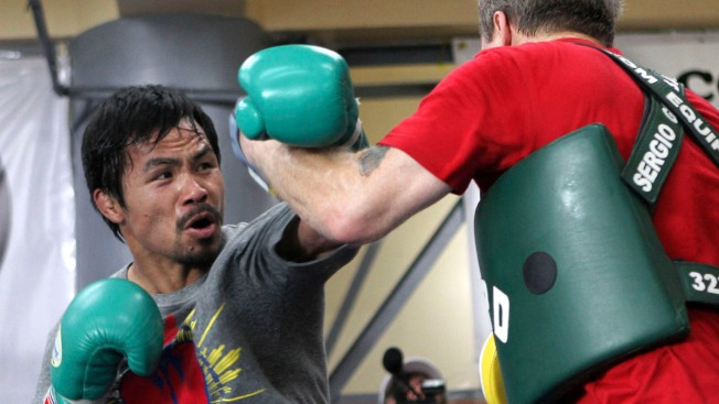 Philippine Boxer Pacquiao Dedicates Next Fight to Typhoon Victims