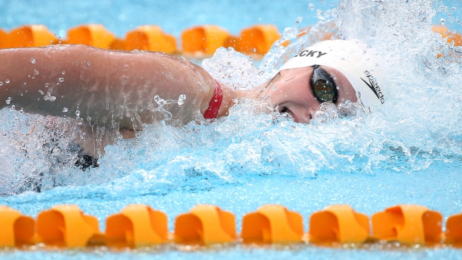 Katie Ledecky Breaks 400 Freestyle World Record