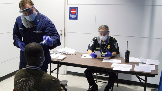 U.S. Limits Entry From Ebola Countries to 5 Airports