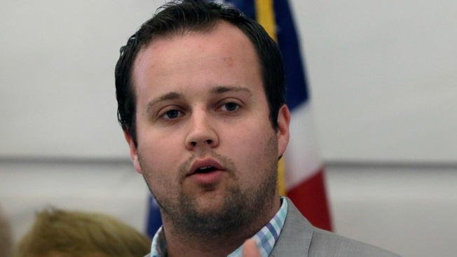 Josh Duggar Checks Himself Into 'Long-Term Treatment Center' Following Cheating Admission