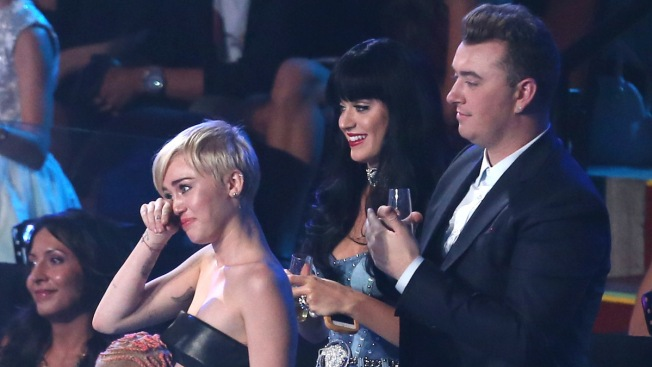 "MTV VMAs: Formerly Homeless Youth Accepts Miley Cyrus' ""Video of the Year"" Award"