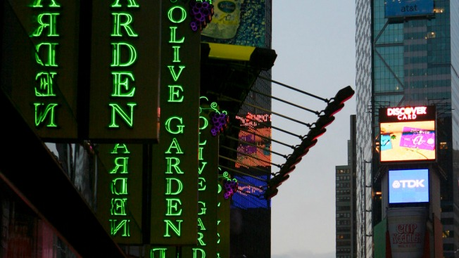 Olive Garden Charges $400 a Head for a New Year's Eve Times Square Dinner: Reports