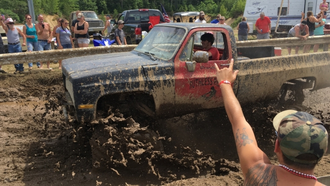 'A Big, Dirty Party': Rednecks Hold Their Summer Games