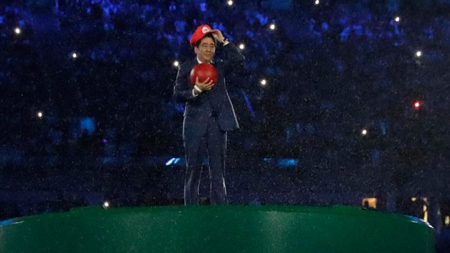 Japanese Prime Minister Enters Olympic Stadium as Mario