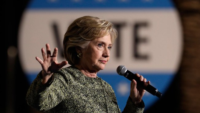 Clinton Shifts Message as She Eyes Congressional Takeover