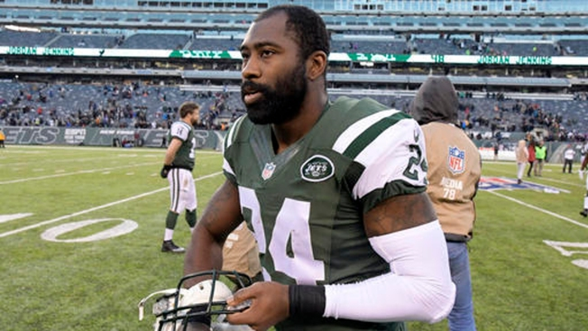 Jets' Darrelle Revis Faces Charges After Fight in Pittsburgh