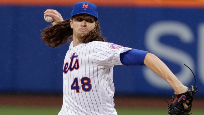 DeGrom Homers, Dominates on Mound as Mets Stop Nationals, 5-1