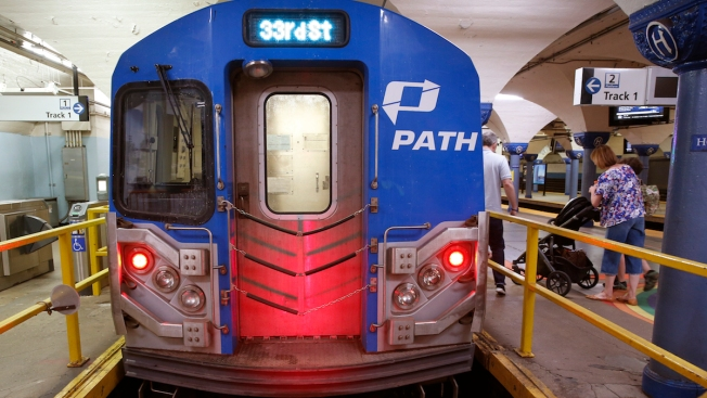 PATH Briefly Suspended at 33rd Street Due to Signal Problems