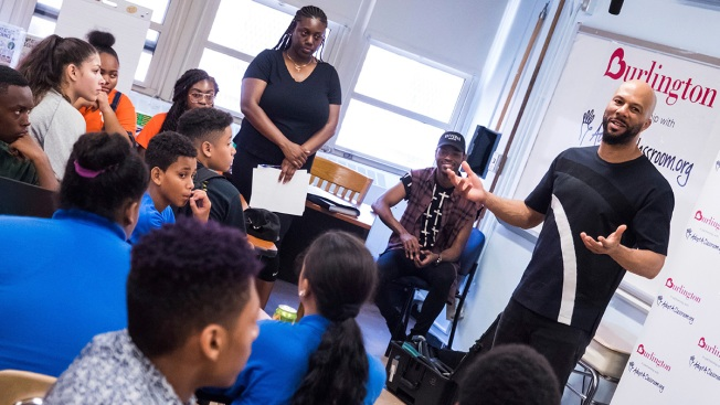 Rapper Common Surprises Students at NY School, Donates Money