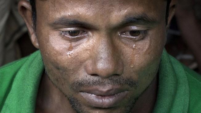 'Papa! Papa! Help Me!' Boy Cries as Rohingya Boat Fleeing Myanmar Capsizes
