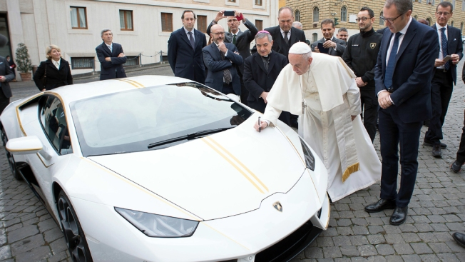Pope Gets All-White Lamborghini to Be Auctioned for Charity