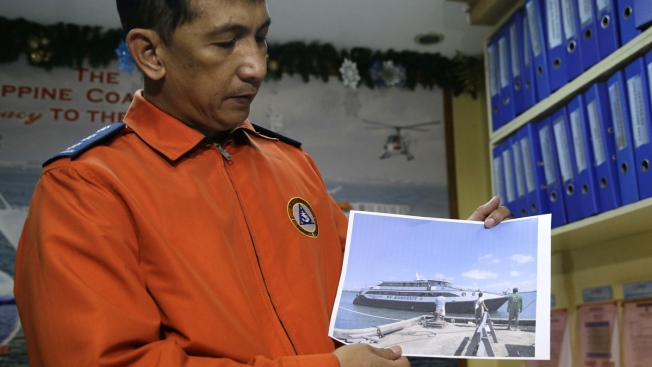 4 dead, 7 missing, 240 rescued after Philippine ferry sinks