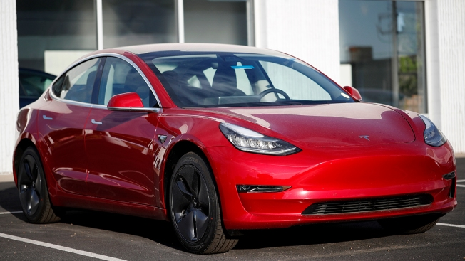 Tesla Buyers Worry They'll Lose Access to Tax Credit