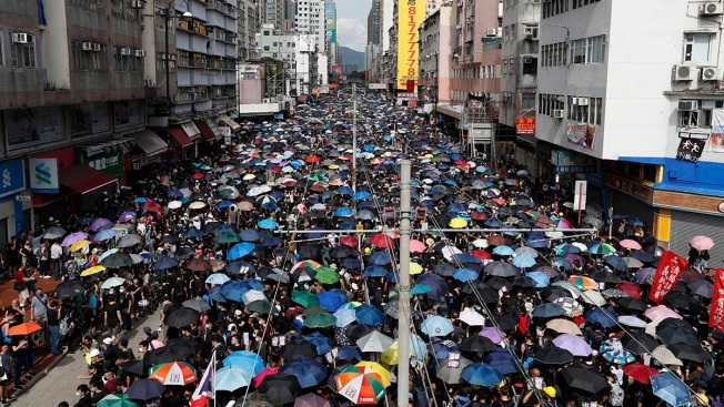 Hong Kong Police Fire Tear Gas After Protesters Defy Ban