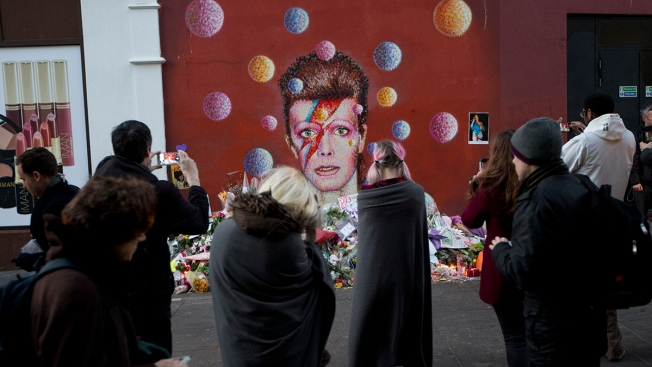Exhibition Dedicated to Rocker David Bowie Coming to New York City