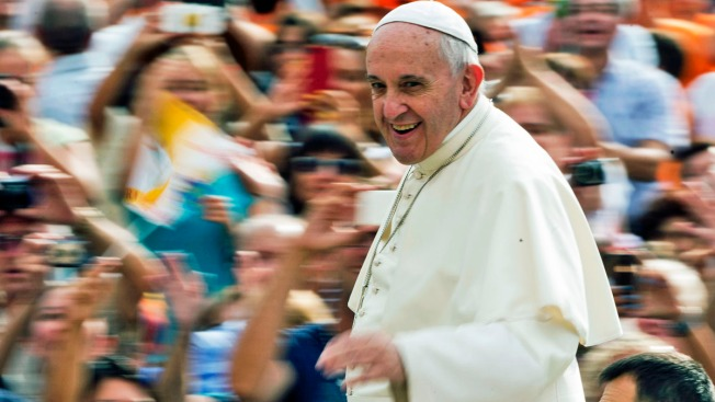 Security Challenge: Protecting a Pope Who Likes to Take Selfies With the Crowds