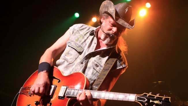Rocker Ted Nugent Snaps up Fla. Bear Hunting Permit
