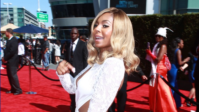 Ashanti Faces Convicted Fan at 2nd Stalking Trial