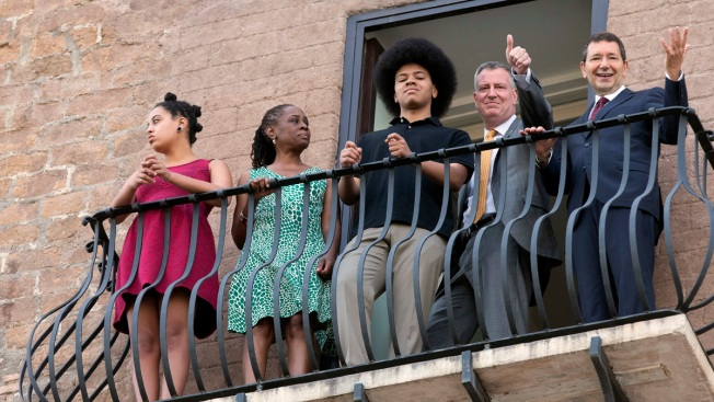 De Blasio, Family View Roman Forum From Mayor's Balcony