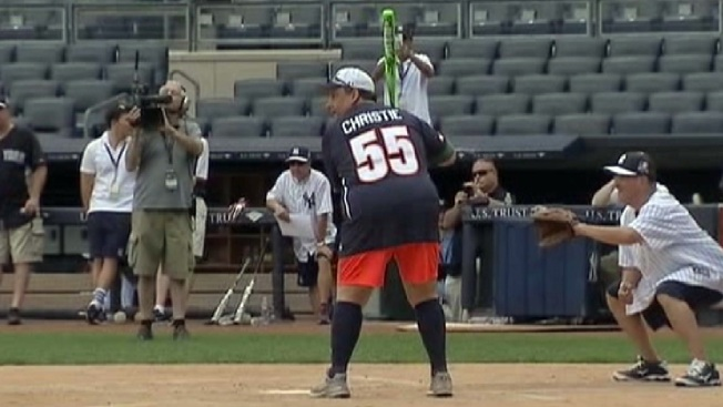 Chris Christie Being Booed at Mets Game | POPSUGAR News