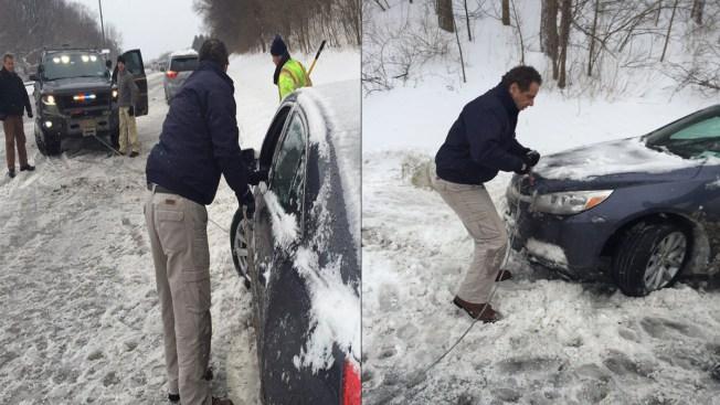 Gov. Cuomo aids motorist stuck during snowstorm