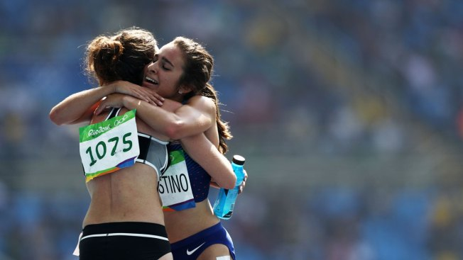 US Runner Abbey D'Agostino Helps Rival, Finishes Olympic 5K Despite Leg Injury