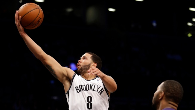 Deron Williams Scores 28 as Nets Cruise by Suns 108-95