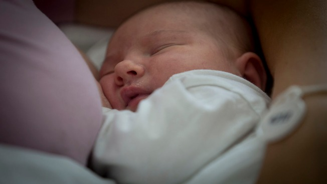 Clipping Babies' Tongues Not Only Way to Help Breastfeeding, Study Finds