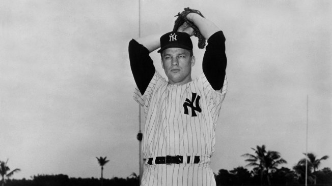 Jim Bouton, Former Yankees Pitcher, 'Ball Four' Author, Dies at 80