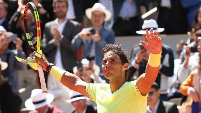 Nadal Beats Federer to Reach 12th French Open Final; US Phenom Loses After Surprise Breakthrough