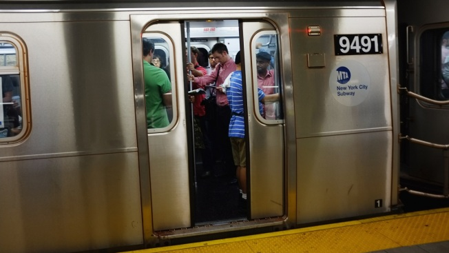 Man Caught in Subway Doors Dragged to Death: Report