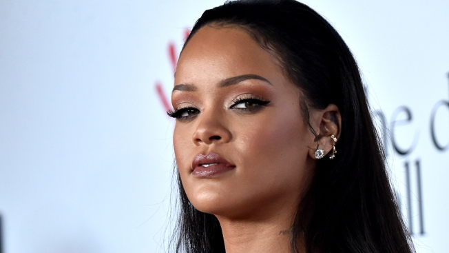 Rihanna Gets Emotional Singing 'Love the Way You Lie' During Dublin Concert