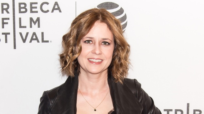Actress Jenna Fischer returns to Chili's; company provides hilarious response