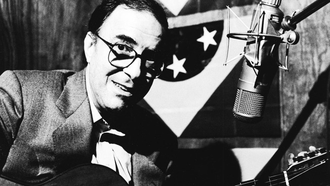 Brazilian Bossa Nova Pioneer João Gilberto Dies at 88