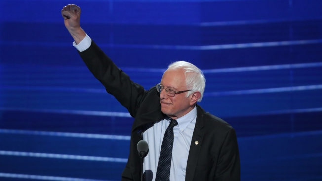 Sanders Urging Supporters to Back Clinton