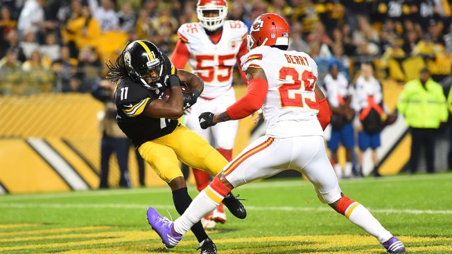 Sunday Night Football: Early Turnover Helps Pittsburgh Steelers Sink Sloppy Kansas City Chiefs