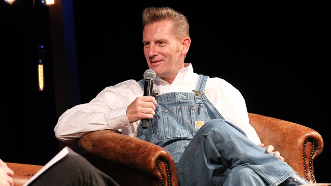 Singer Rory Feek to Perform Again After Wife Joey's Death