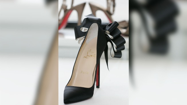 new arrival 45b44 2bedd Couture Council to Honor Louboutin and His Red-Soled Shoes ...