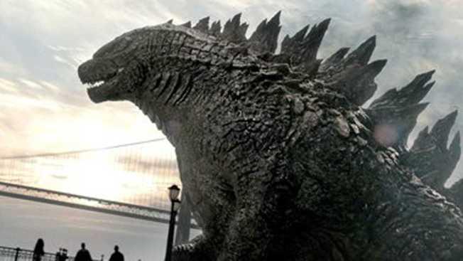 Godzilla Returns: Sequel Announced at Comic-Con